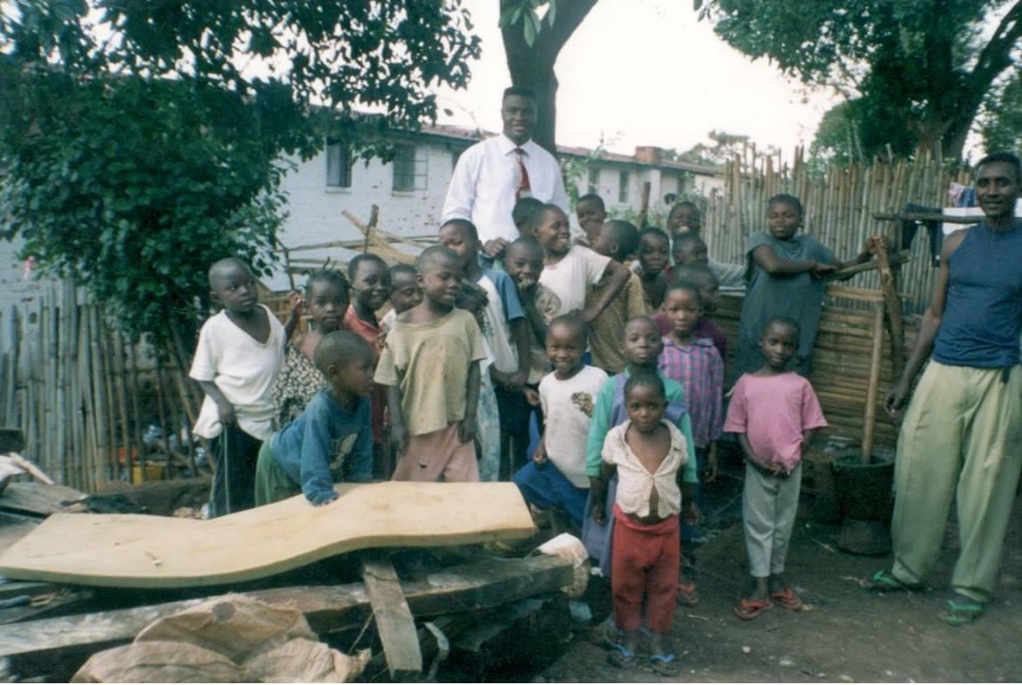 children-with-dr-Tshibangu-Mukumbay-Kinshasa